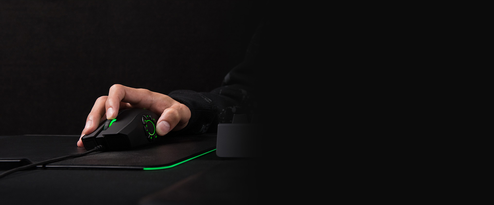 Image result for RAZER MOUSE NAGA HEX V2. PRE-CONFIGURED MOBA PROFILES FOR MAXIMUM IN-GAME EFFICIENCY